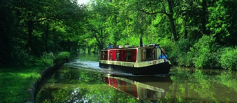 Barge Hire, Vacations and holiday rental in the United Kingdom. canal barge, canal boats, narrowboat rental for holidays and vacations